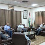 رئيس بلدية قلقيلية د. هاشم المصري يستقبل في مكتبه وفدا من لجنة تسجيل اضرار الجدار