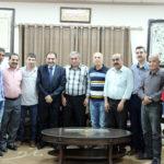 رئيس بلدية قلقيلية د.هاشم المصري في مكتبه وفدا من النادي الاهلي