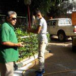 رش مبيدات حشرية لمنع انتشار البعوض والذباب في حديقة الحيوانات الوطنية