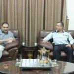 رئيس البلدية د. هاشم المصري يلتقي في مكتبه مدير الدفاع المدني الجديد