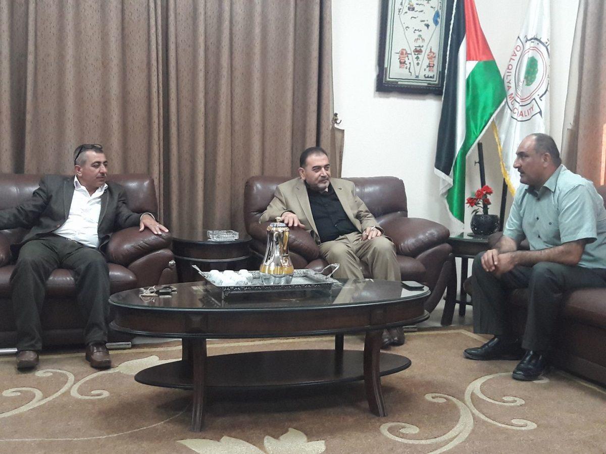 رئيس البلدية د.هاشم المصري يلتقي مدير مديرية الزراعة ومدير مديرية الثقافة