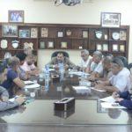 رئيس البلدية يلتقي باعضاء لجنة الطوارىء الدائمة الانعقاد وذلك ضمن خطة البلدية الموضوعة لاستعدادت فصل الشتاء