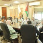 رئيس بلدية قلقيلية د. هاشم المصري في البلدية يلتقي وفدا مكونا من مديرة مكتب عمل قلقيلية