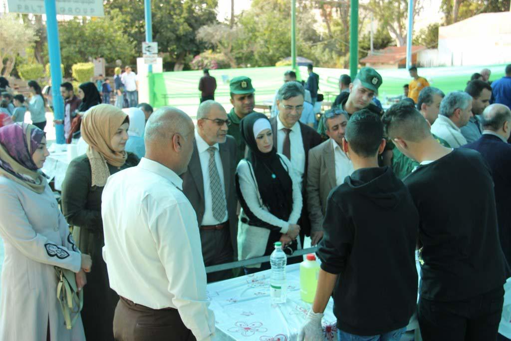 افتتاح مهرجان ايام العلوم الفلسطينية في حديقة الحيوانات الوطنية