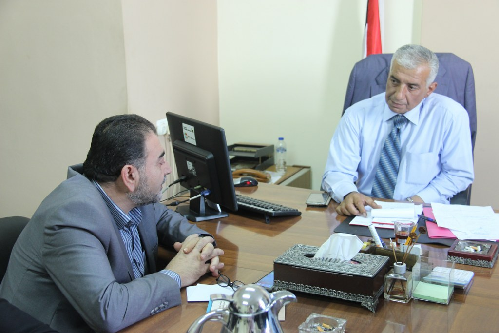 رئيس لبدية قلقيلية د. هاشم المصري يزور مديرية الحكم المحلي
