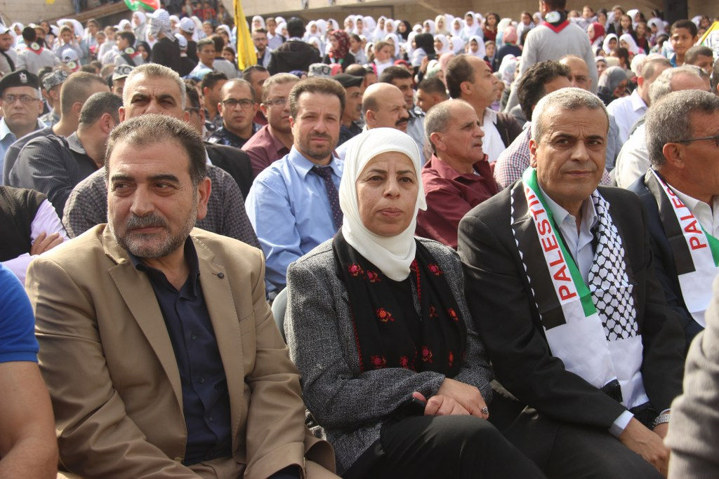 مشاركة رئيس بلدية قلقيلية واعضاء المجلس البلدي وموظفي البلدية في مهرجان الكوفية والاستقلال