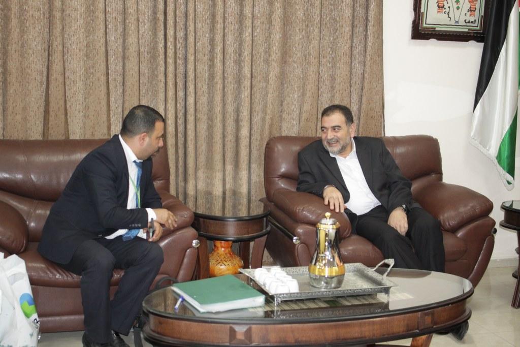 رئيس بلدية قلقيلية د. هاشم المصري يلتقي بوفد من شركة جوال