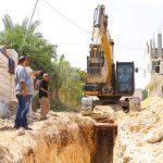 البلدية تباشر بتنفيذ مشروع شبكة صرف صحي لمنطقة صوفين
