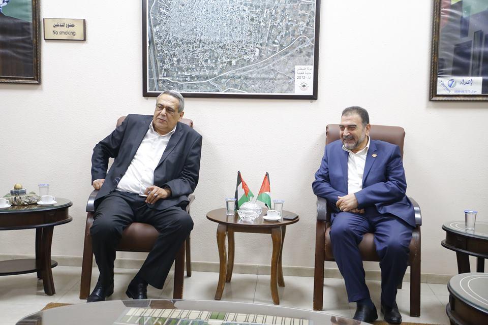 لقاء رئيس البلدية رئيس بلدية عنبتا
