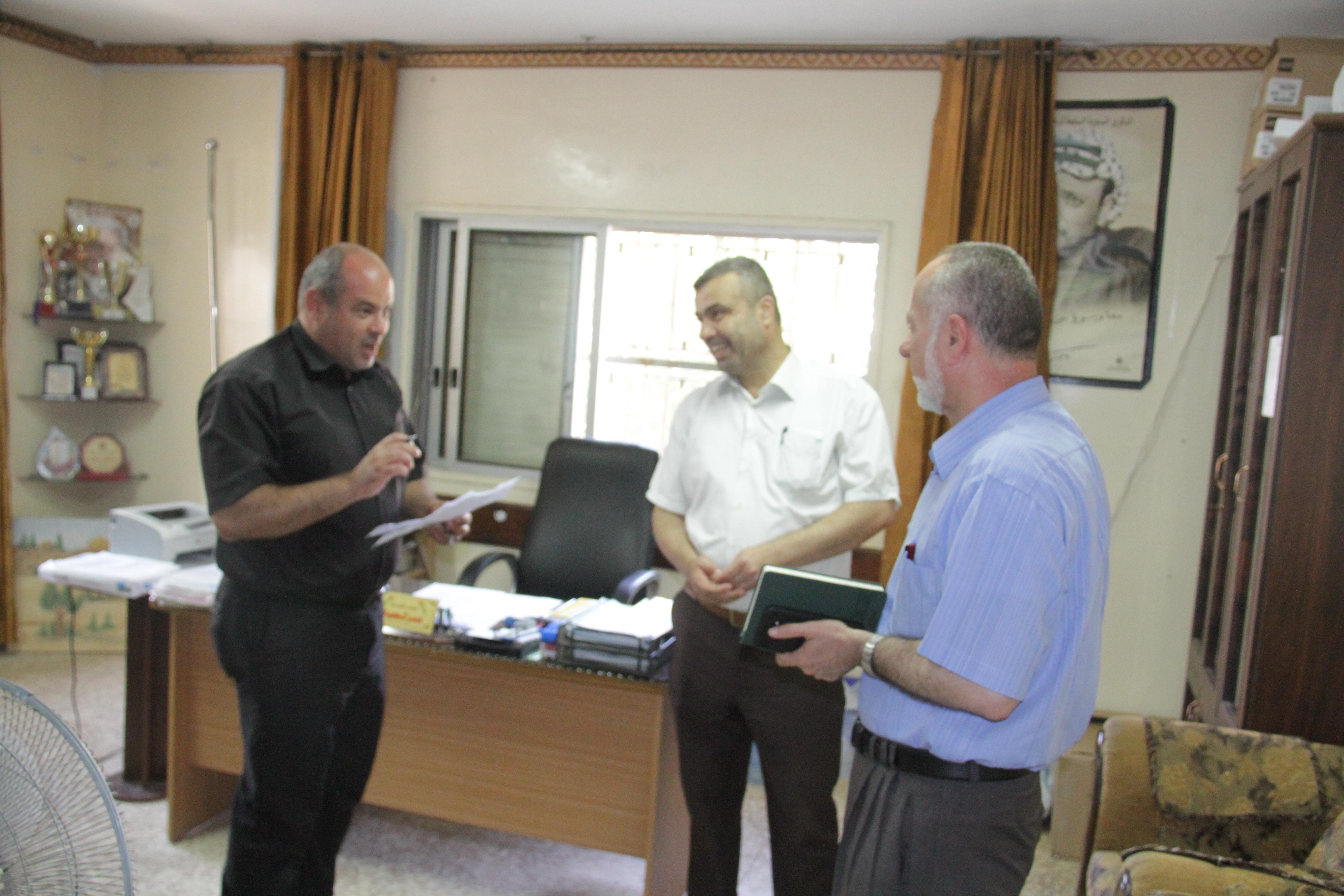 لجنة المعارف في بلدية قلقيلية زيارة لعدد من مدارس المدينة