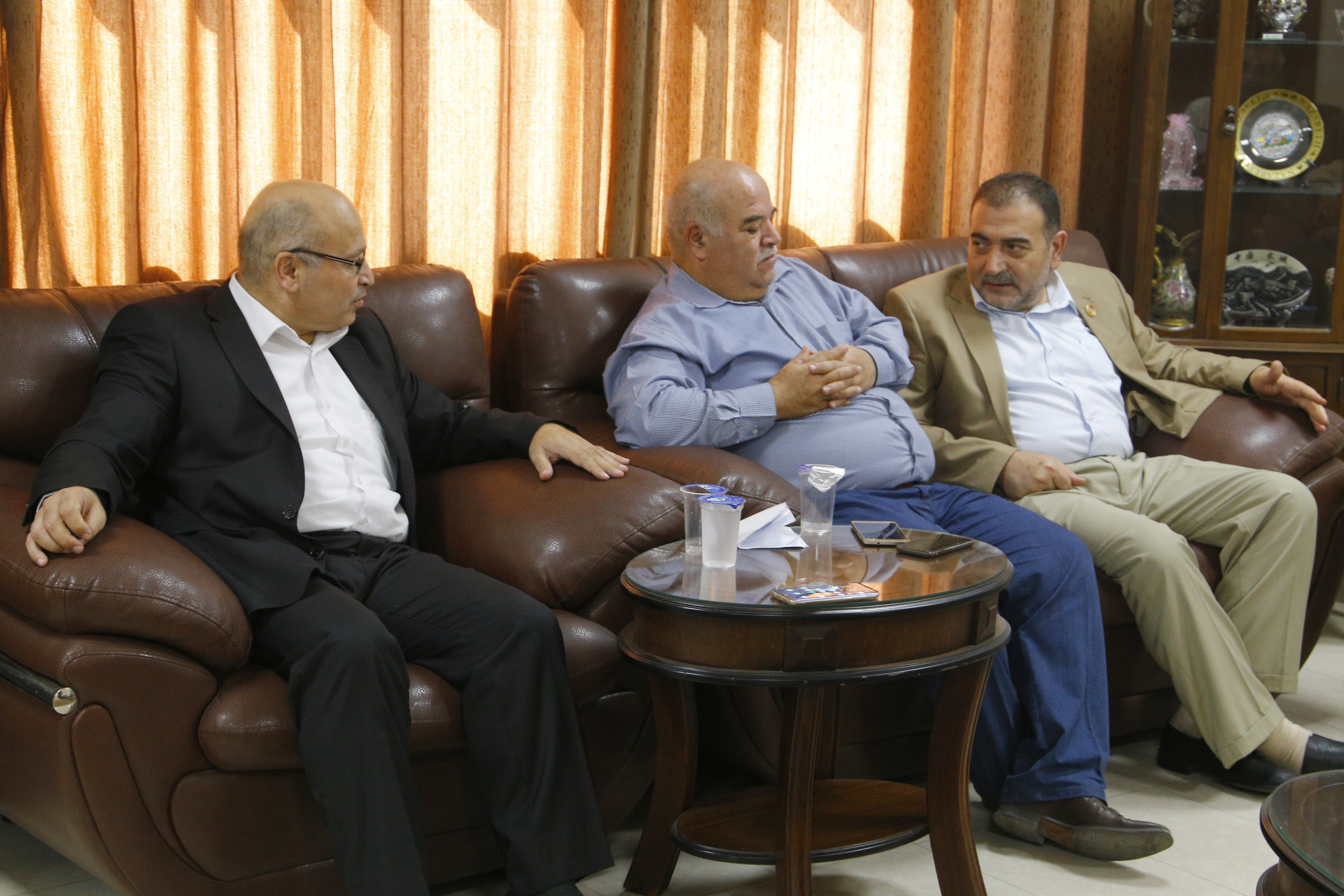 رئيس البلدية يستقبل وفد من وزارة الحكم المحلي.