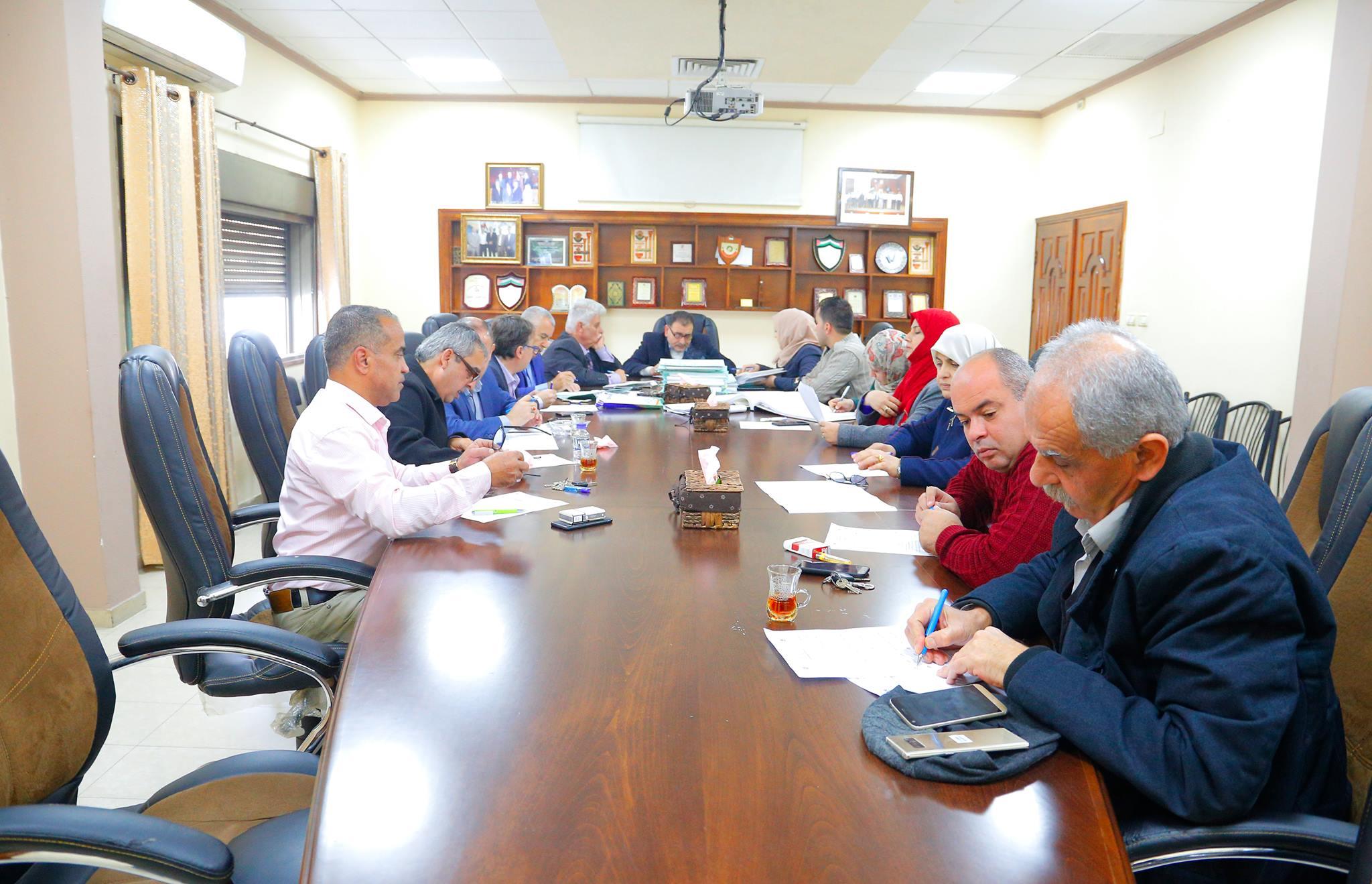 """البلدية تعقد جلسة التنظيم والابنية رقم """" 24 ″ لعام 2018"""