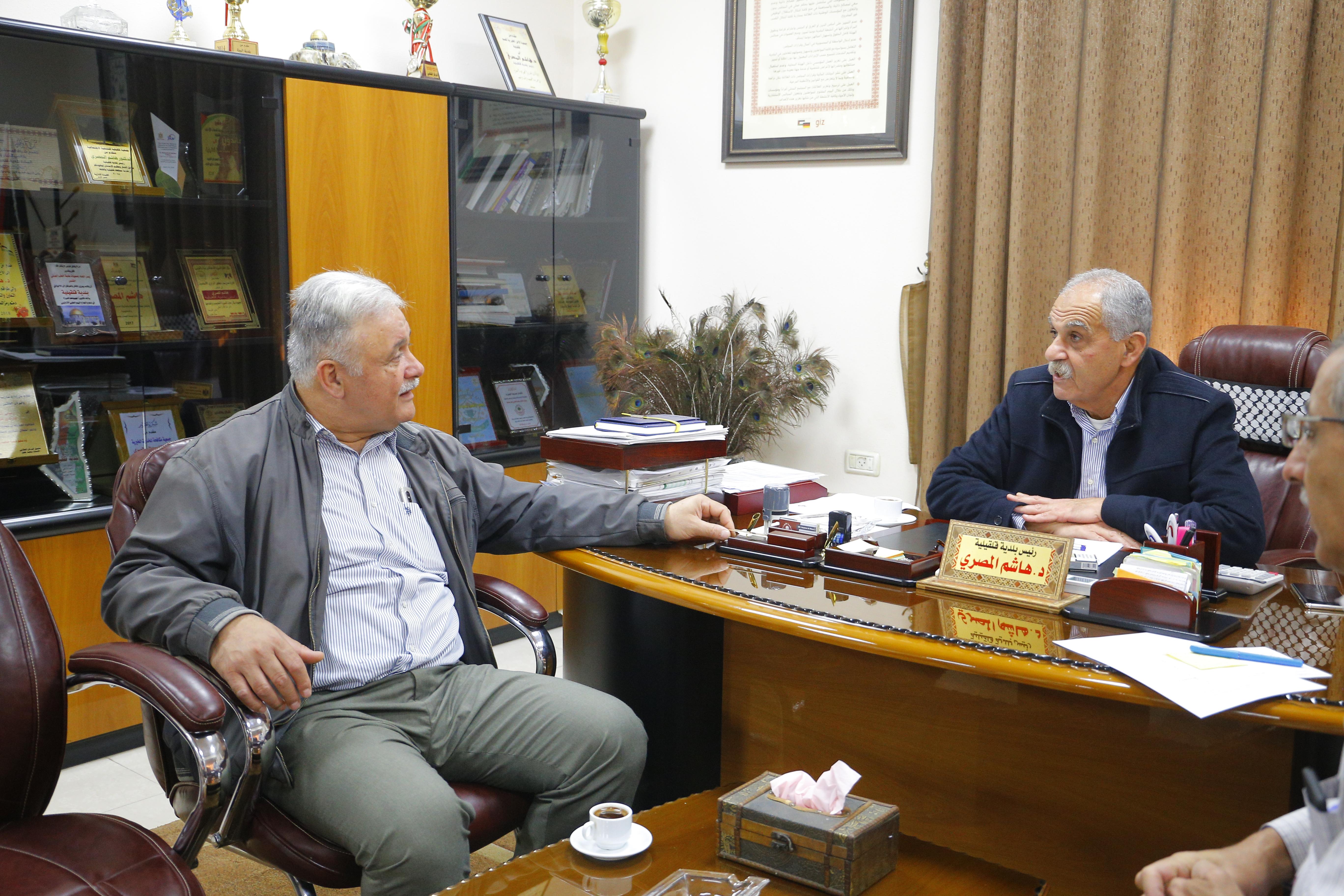 نائب رئيس البلدية يلتقي مدير مستشفى الوكالة الجديد