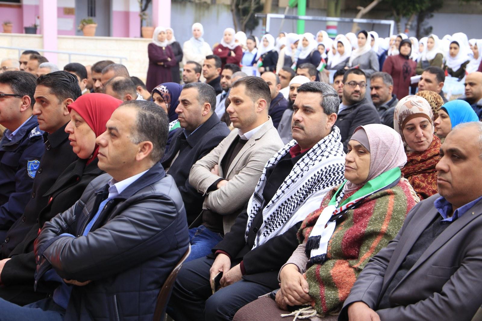 بلدية قلقيلية تشارك في الوقفة التضامنية مع الاسرى الابطال