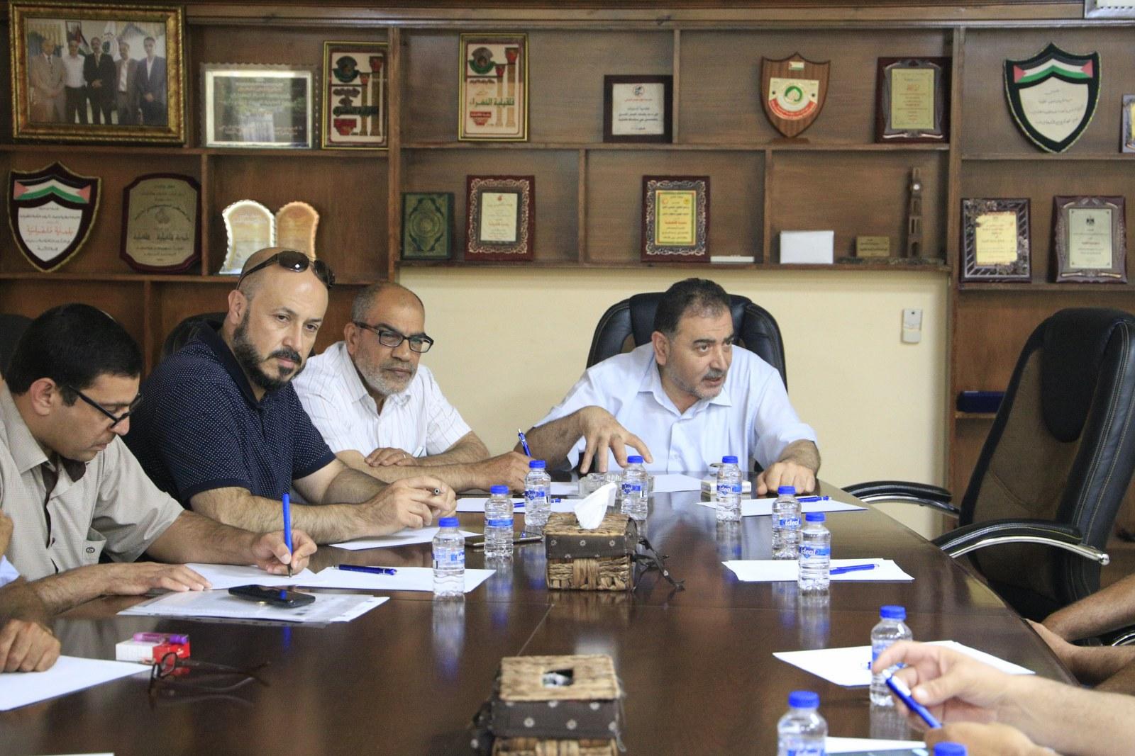 بلدية قلقيلية تستكمل لقاءها السابق مع اصحاب المشاتل الزراعية في مدينة قلقيلية