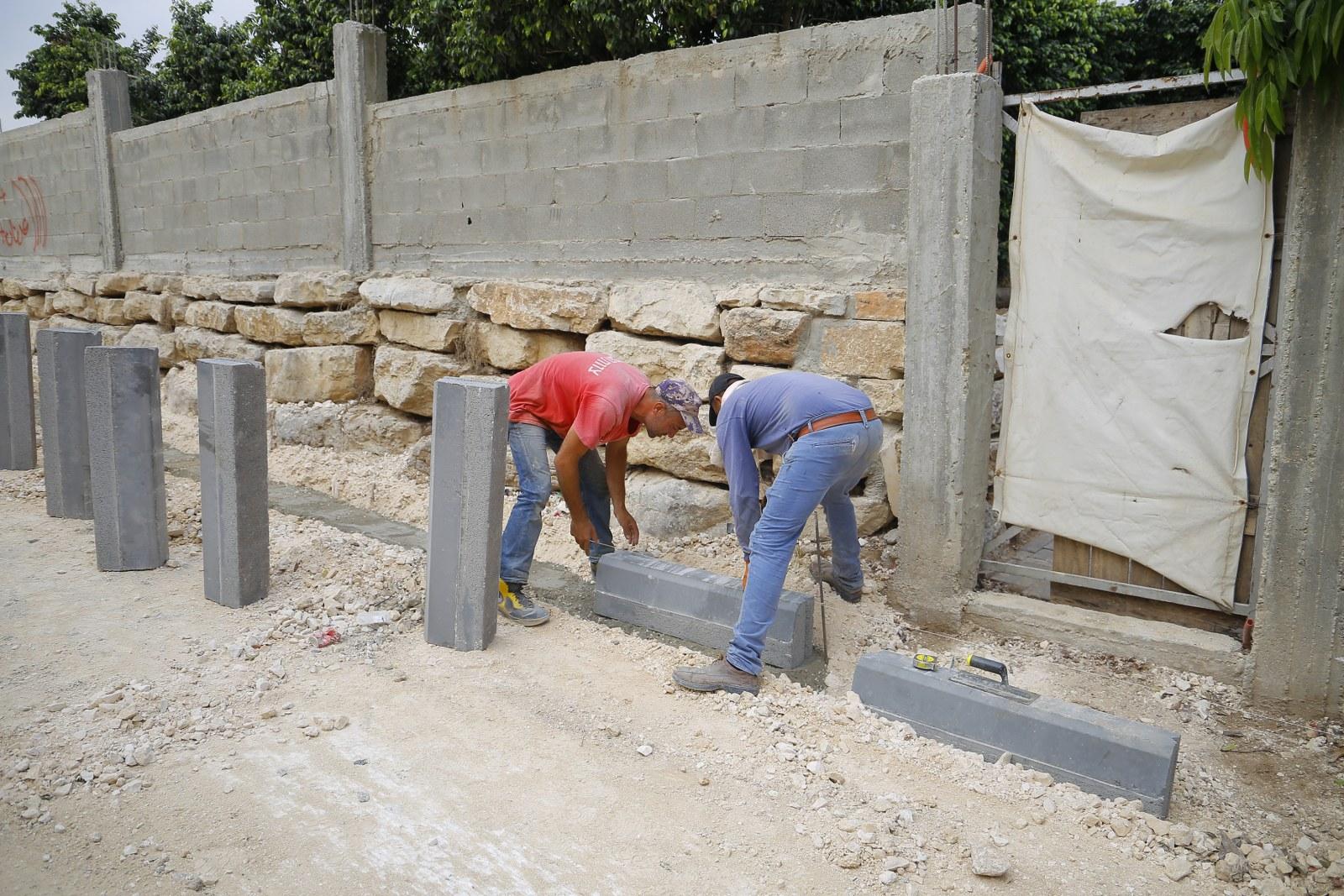 جانب من اعمال قسم الاشغال في بلدية قلقيلية