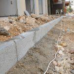 جانب من اعمال قسم الاشغال بناء وتجهيز ارصفة في مناطق متعددة في المدينة
