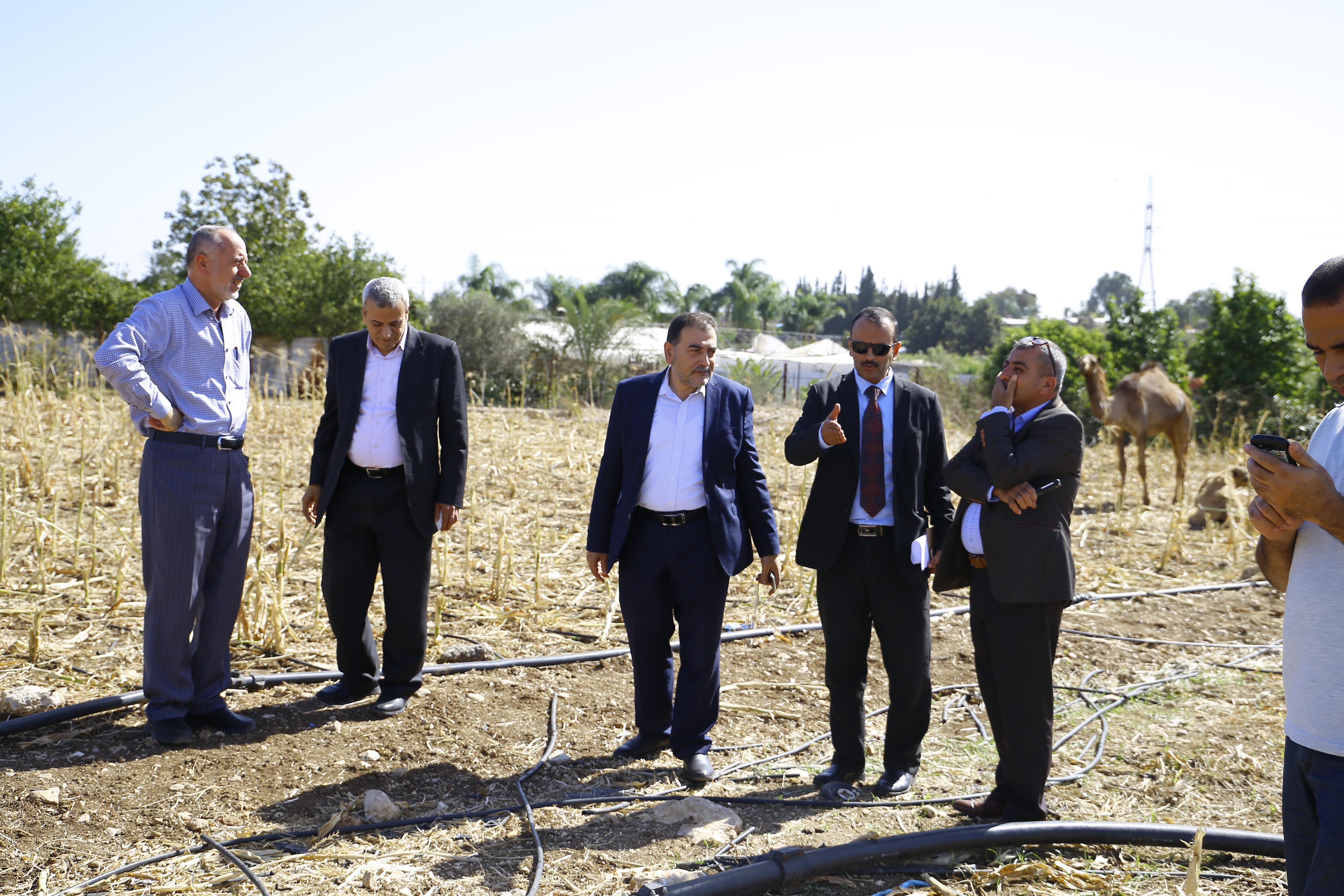 رئيس البلدية يستقبل وكيل مساعد شؤون المحافظات في وزارة الثقافة لمناقشة انشاء مركز ثقافي في مدينة قلقيلية .