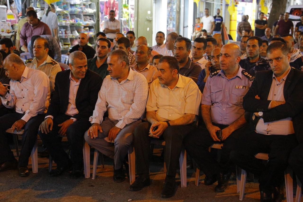 رئيس البلدية يشارك في وقفة الدعم والاسناد لرئيس محمود عباس