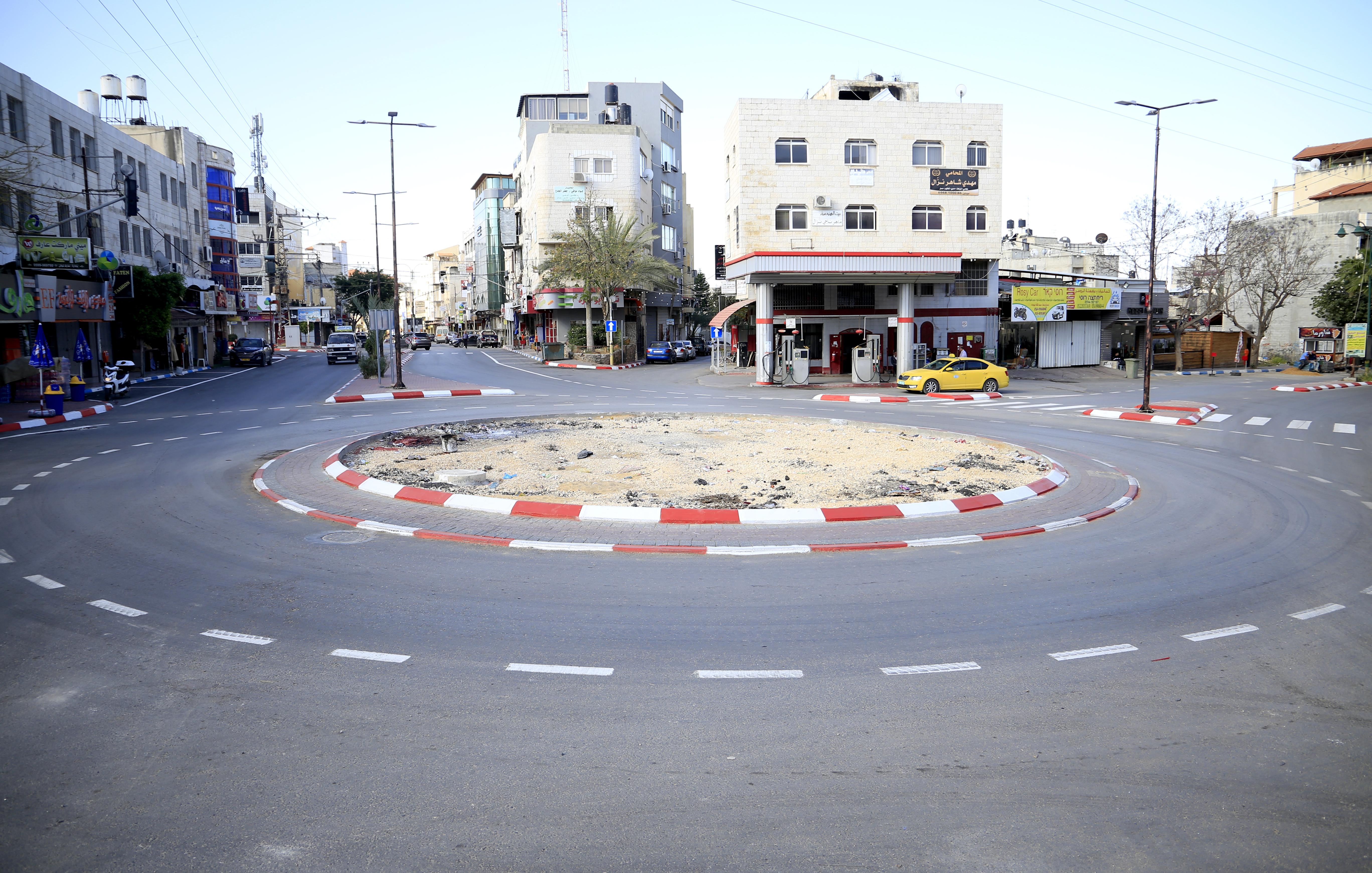 البلدية تقوم بتخطيط شوارع وممرات مشاة