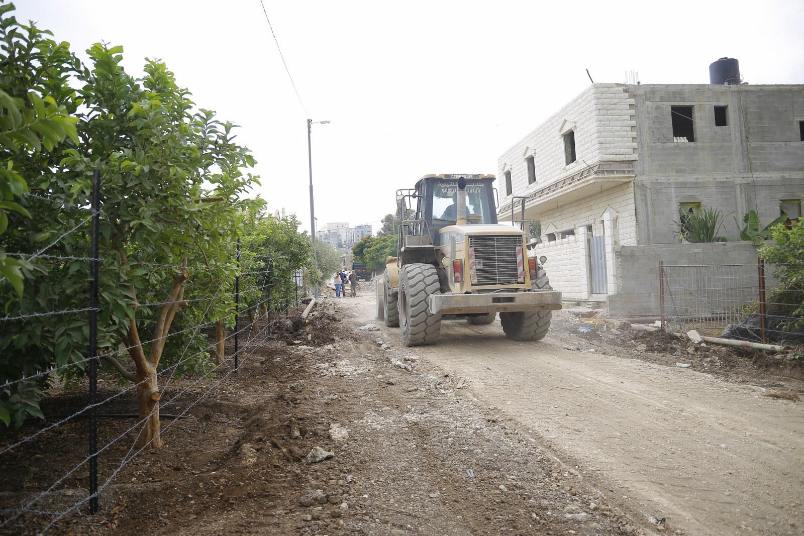 اعمال شق طريق في منطقة المرج
