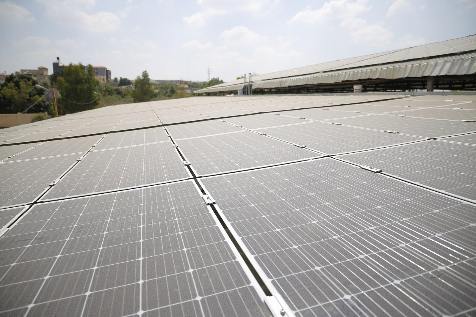 استمرار اعمال مشروع تركيب الخلايا الشمسية بقدرة 1 ميجا واط