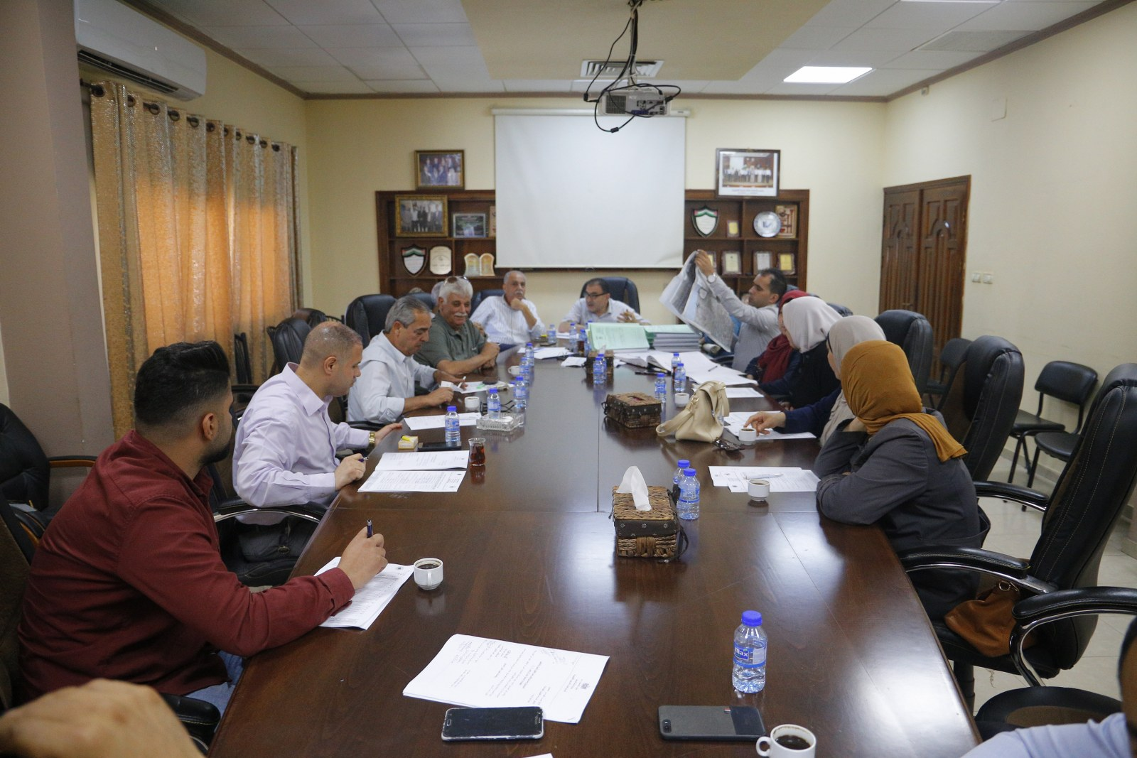 """بلدية قلقيلية تعقد  جلسة التنظيم والابنية رقم """" 17″ لعام 2019"""