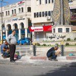 عمال دهان في منطقة الشهيد ابو علي اياد.