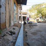 بناء وتجهيز ارصفة في مناطق متعددة من المدينة