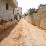 استمراراعمال مشروع تأهيل طرق داخلية في المدينة