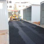 أعمال تعبيد في مشروع البازار الشعبي في المنطقة الشرقية
