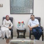 وفد من لجنة المرأة في إقليم حركة فتح يزور بلدية قلقيلية.